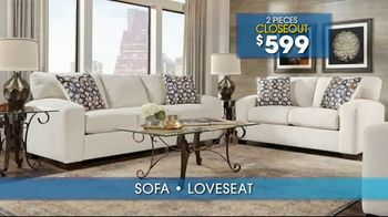 Rooms to Go Summer Sale and Clearance TV Spot, 'Sofas & Loveseats' - Thumbnail 4