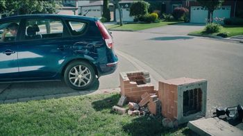 Esurance TV Spot, 'Double Trouble? Single Deductible' - Thumbnail 4