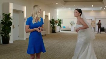 Priceline.com TV Spot, 'Wedding' Featuring Kaley Cuoco - Thumbnail 5