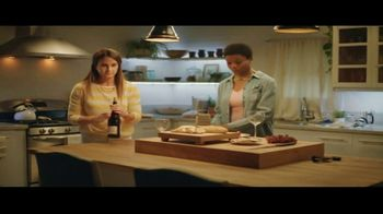 Reelz Channel TV Spot, 'More to the Story' - Thumbnail 8