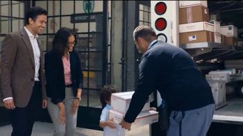 USPS TV Spot, 'Growing Together' [Spanish] - Thumbnail 10