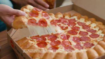 Pizza Hut Cheesy Bites Pizza TV Spot, 'Cheesy Bites Pizza Season Is Back!' - Thumbnail 8