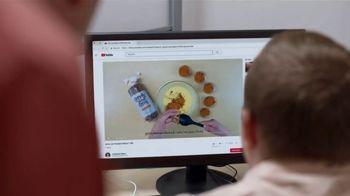 Google TV Spot, 'Grow With Google: Jenny Lee Bakery' - Thumbnail 7