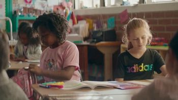 Amazon TV Spot, '2018 Back to School: Rainbow Unicorn' - Thumbnail 6