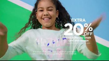 JCPenney TV Spot, 'Kick Up Your Style' - Thumbnail 8