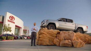 Toyota TV Spot, 'Pat the Intern' [T2] - Thumbnail 8