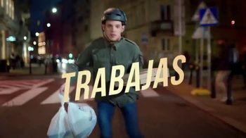 Axe Gold Body Spray TV Spot, 'Patinaje' canción de Shanice Ross [Spanish] - Thumbnail 3