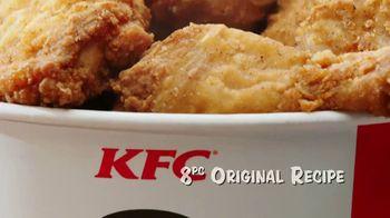 KFC $20 Fill Ups TV Spot, 'Feed a Family of Four' - Thumbnail 7