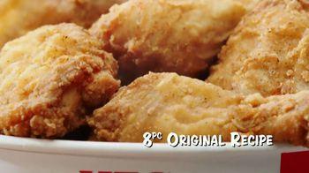 KFC $20 Fill Ups TV Spot, 'Feed a Family of Four' - Thumbnail 8