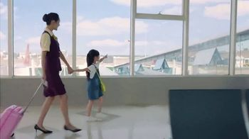 Hainan Airlines TV Spot, 'Hai Time to Travel, Fly Your Dreams' - Thumbnail 4