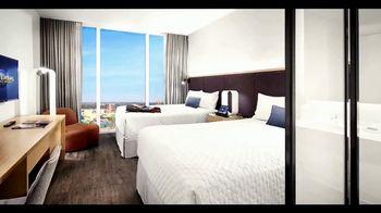 Universal Orlando Resort Aventura Hotel TV Spot, 'Moderno' [Spanish] - Thumbnail 4