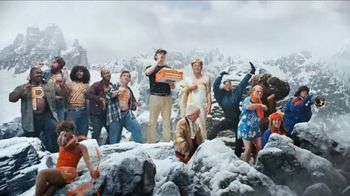 Little Caesars EXTRAMOSTBESTEST Pizza TV Spot, 'Party at the Top' - Thumbnail 7
