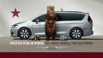 Chrysler Memorial Day Sales Event TV Spot, 'Put Out a Tweet' [T2] - Thumbnail 7