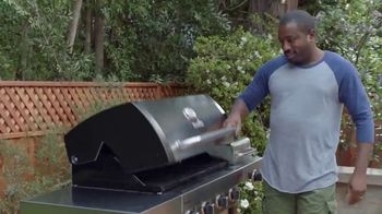 Lowe's Memorial Day Savings TV Spot, 'The Moment: Good Backyard: Patio Set' - Thumbnail 9