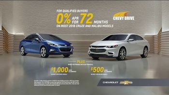 Chevrolet Memorial Day Chevy DriveEvent TV Spot, 'All of the Features'  [T2] - Thumbnail 10