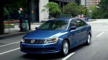 Volkswagen Memorial Day Deals TV Spot, 'Open House' [T2] - Thumbnail 6