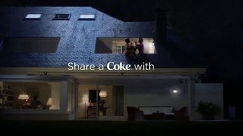Coca-Cola TV Spot, 'Deja Shares With Curtis' - Thumbnail 9