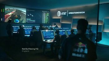 AT&T Business Edge-to-Edge Intelligence TV Spot, 'Speed and Precision' - Thumbnail 5