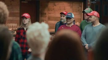 Budweiser Freedom Reserve TV Spot, 'Folds of Honor: Service Never Stops' - Thumbnail 3