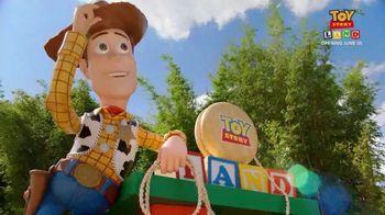 Walt Disney World TV Spot, 'ABC: Toy Story Land: Woody' Feat. Zach Braff - Thumbnail 8