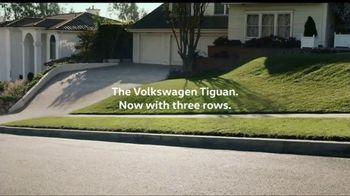 Volkswagen Memorial Day Deals TV Spot, 'More Room: 2018 Volkswagen Tiguan' [T2] - Thumbnail 4