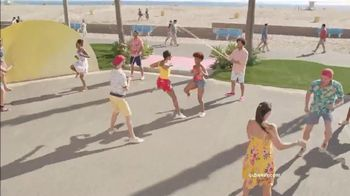 Old Navy TV Spot, 'Jump Into Summer With Old Navy: 50 Percent Off' - Thumbnail 4