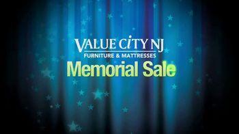Value City Furniture Memorial Sale TV Spot, 'Five Piece Bedroom' - Thumbnail 1