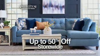 Value City Furniture Memorial Sale TV Spot, 'Five Piece Bedroom' - Thumbnail 2