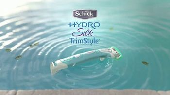 Schick Hydro Silk TrimStyle TV Spot, 'By the Pool' - Thumbnail 9