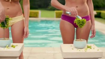 Schick Hydro Silk TrimStyle TV Spot, 'By the Pool' - Thumbnail 4