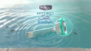 Schick Hydro Silk TrimStyle TV Spot, 'By the Pool' - Thumbnail 8