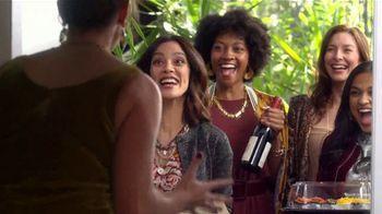 H-E-B Meal Simple TV Spot, 'Holiday Magic Friendsgiving' - Thumbnail 7