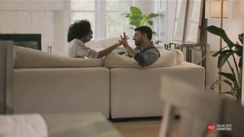 Value City Furniture TV Spot, 'Designer Looks: The Plush Collection' - Thumbnail 3
