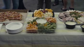 Taco Bell Party Packs TV Spot, 'Déjà Food' - Thumbnail 4