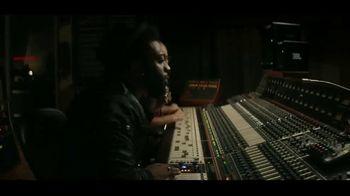 JBL Wireless Headphones TV Spot, 'Booth' Song by Shakira - Thumbnail 1