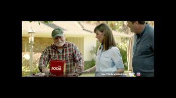 GreatCall Jitterbug Smart2 TV Spot, 'Yard Sale' Featuring John Walsh - Thumbnail 4
