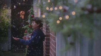 In Touch Ministries TV Spot, 'Christmas: Be a Blessing' - Thumbnail 4