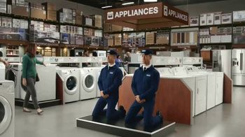 Maytag TV Spot, 'Eye Candy: HE Washer and Electric Dryer' Featuring Colin Ferguson - Thumbnail 1