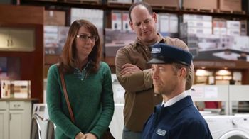 Maytag TV Spot, 'Eye Candy: HE Washer and Electric Dryer' Featuring Colin Ferguson - Thumbnail 7