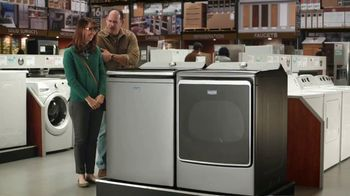 Maytag TV Spot, 'Eye Candy: HE Washer and Electric Dryer' Featuring Colin Ferguson - Thumbnail 9