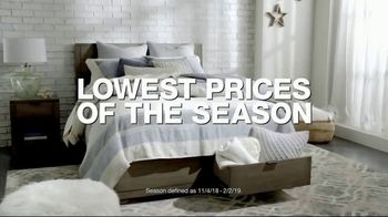 Macy's Veterans Day Sale TV Spot, 'Sectionals, Storage Beds and Sofas' - Thumbnail 2