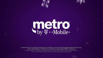 Metro by T-Mobile TV Spot, 'Penguins' Song by Usher - Thumbnail 8
