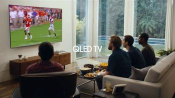 Samsung QLED 4K TV TV Spot, 'The Face of a Man Who Needs to Sneeze' - Thumbnail 5