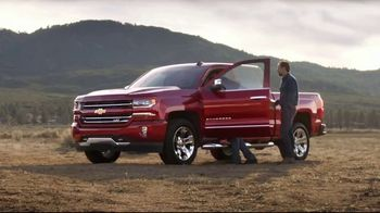 Chevrolet Black Friday Sales Event TV Spot, 'Everyone's Excited: Award-Winning' [T2] - Thumbnail 2