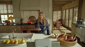 Portal from Facebook TV Spot, 'Empty Nesters' Featuring Howie Long, Terry Bradshaw - Thumbnail 7