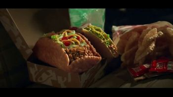 Taco Bell $5 Double Chalupa Box TV Spot, 'Safety First' - Thumbnail 4