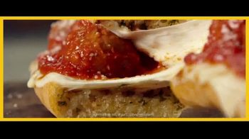 Subway Ultimate Cheesy Garlic Bread TV Spot, 'An Out-of-Sandwich Experience' - Thumbnail 8