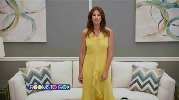 Rooms to Go Cindy Crawford Outdoor Furniture Collection TV Spot, 'Outdoor Furniture' Featuring Cindy Crawford, Song by Sheryl Crow - Thumbnail 2