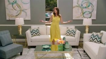Rooms to Go Cindy Crawford Outdoor Furniture Collection TV Spot, 'Outdoor Furniture' Featuring Cindy Crawford, Song by Sheryl Crow - Thumbnail 3