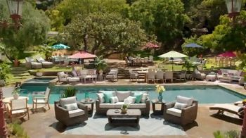 Rooms to Go Cindy Crawford Outdoor Furniture Collection TV Spot, 'Outdoor Furniture' Featuring Cindy Crawford, Song by Sheryl Crow - Thumbnail 4